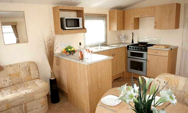 main-gold-caravan-lounge